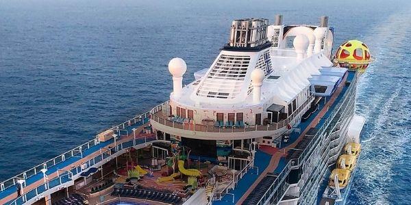 Royal Caribbean extiende la suspensión de sus cruceros