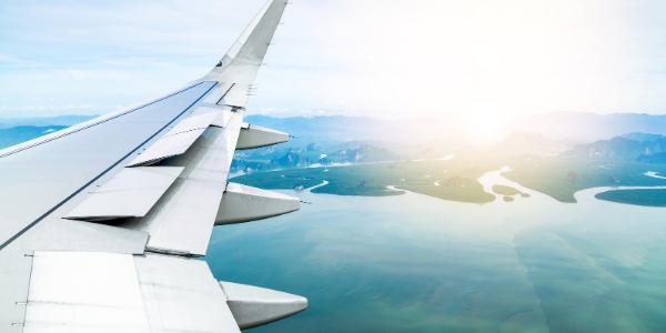 American Airlines elimina cobros por cambios de vuelo